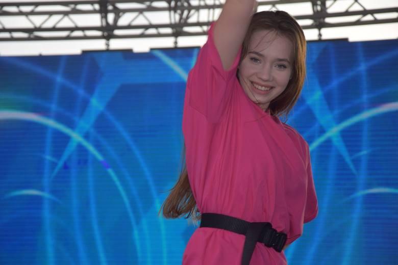 W niedzielę w Szydłowcu królowała muzyka disco polo oraz dance. Wszystko za sprawą dziewiątej edycji imprezy Pomidzi Hit Festiwal, której organizatorem
