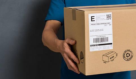 Gdzie Polacy robią zakupy? Jak płacą i odbierają przesyłki?  Wygoda, szybkość i cena decydują