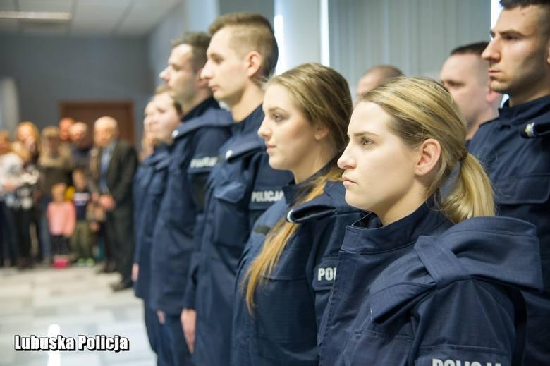W czwartek, 5 marca, w Komendzie Wojewódzkiej Policji w Gorzowie Wlkp. nowoprzyjęci funkcjonariusze wypowiedzieli słowa ślubowania.- Dla 11 funkcjonariuszy