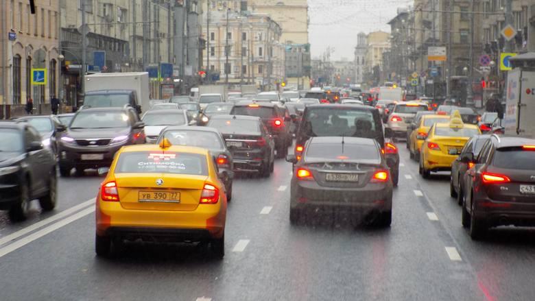 Zakorkowane moskiewskie ulice.