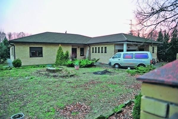 Tak obecnie wygląda dom byłego piłkarza ŁKS, wystawiony na licytację.