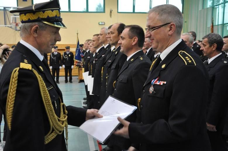 Strażacy z całej Opolszczyzny  świętowali dzisiaj w Kluczborku wojewódzkie obchody Dnia Strażaka. Obchodząca 50-lecie komenda powiatowa Państwowej Straży