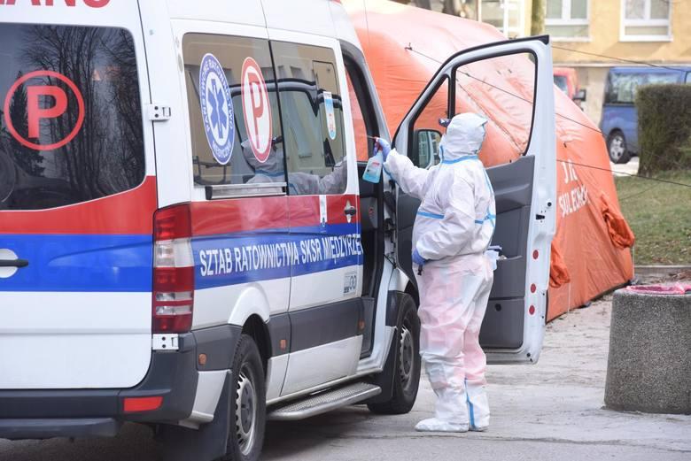 15 nowych przypadków koronawirusa w Polsce. Jeden z woj. lubelskiego. Mężczyzna jest w dobrym stanie