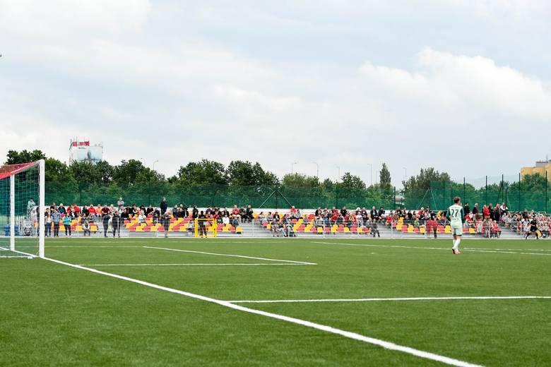 Nowy, piękny stadion we Wrocławiu. Pierwszy oficjalny mecz za nami (ZDJĘCIA). Ślęza Wrocław - Śląsk II Wrocław 3:0