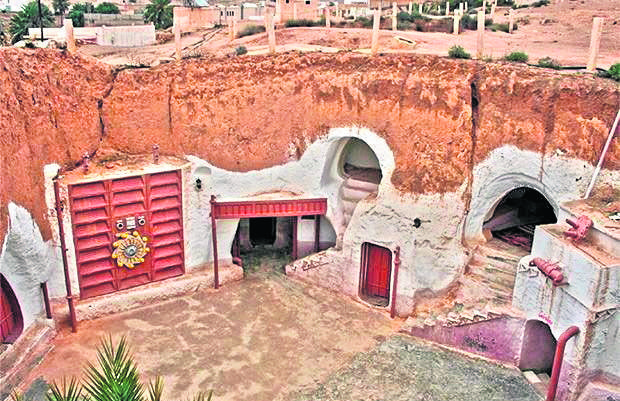 """Hotel Sidi Driss z Tunezji """"zagrał""""_w filmie dom Luke'a Skywalkera znajdujący się na planecie Tatooine. To jedno z najbardziej znanych miejsc z """"Gwiezdnych Wojen"""""""