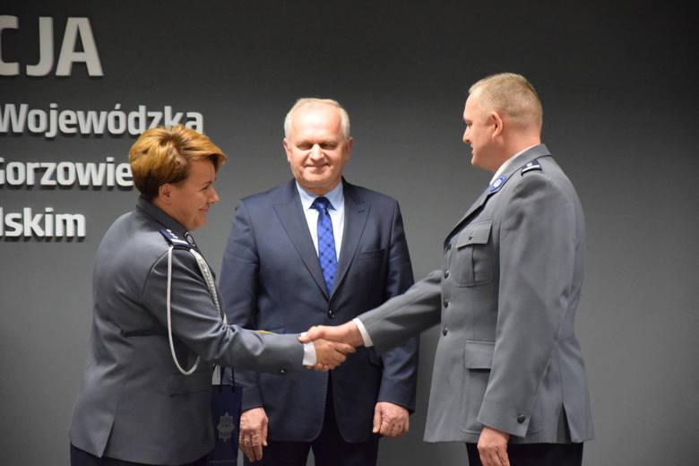 (pij)W środę (3 lutego) Jarosław Janiak został komendantem wojewódzkim lubuskiej policji. Wprowadzenie rozpoczęło się punktualnie o godz. 13.Nowy komendant
