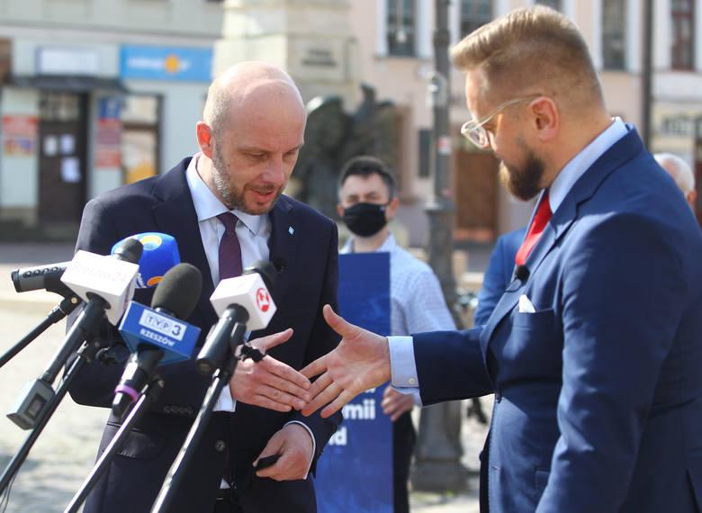 Konrad Fijołek, kandydat na prezydenta Rzeszowa, i Paweł Tanajno, lider Strajku Przedsiębiorców, wystąpili publicznie na wspólnej konferencji, by zaznaczyć,