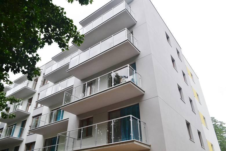 W kolejnym budynku Reduty Nowe Podolany, którego oddanie do użytku zaplanowano na II kwartał 2020 roku są dostępne mieszkania o powierzchni od 42 do 85 m kw. <br /> <br /> <strong>Przejdź do kolejnego zdjęcia ---></strong>