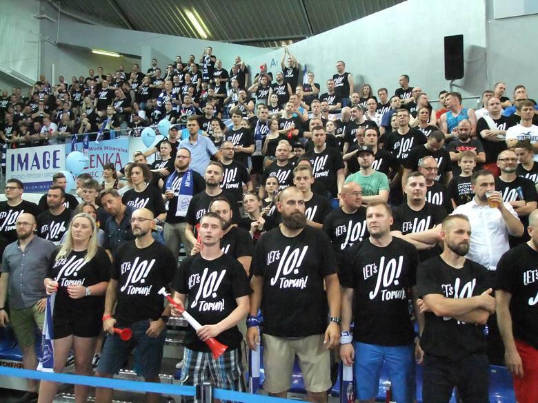 Włocławska Hala Mistrzów była wypełniona do granic możliwości podczas meczu Anwil - Polski Cukier Toruń. Kibice gospodarzy stanowili zdecydowaną większość,