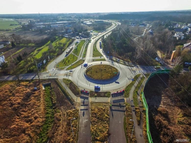 Wschodnia obwodnica Wrocławia z Łanów do Długołęki powinna się już budować. Tymczasem trwają tam wyłącznie drobne prace przygotowawcze. Do tej pory Dolnośląska