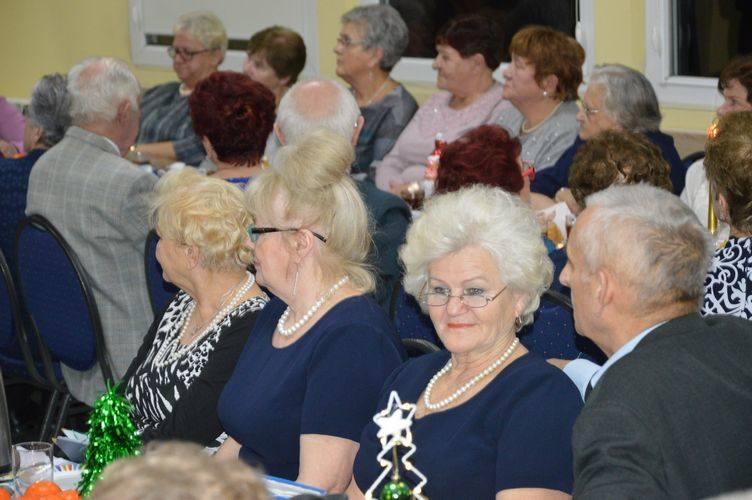 Spotkanie wigilijne w Klubie Seniora Zacisze w Skierniewicach [ZDJĘCIA]