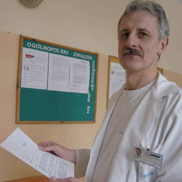 - Druki pozwów są wypełniane przez lekarzy - mówi Zdzisław Szramik.