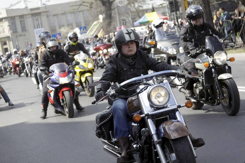 W kwietniu rozpocznie się sezon na zloty motocyklowe. Więcej jednośladów wyjedzie też na  ulice miast i drogi