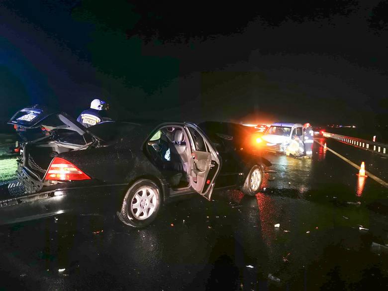 Do zdarzenia doszło w czwartek chwilę przed godz. 20. Na autostradzie A4 na wysokości miejscowości Rozbórz w pow. przeworskim - pas w kierunku Korczowej