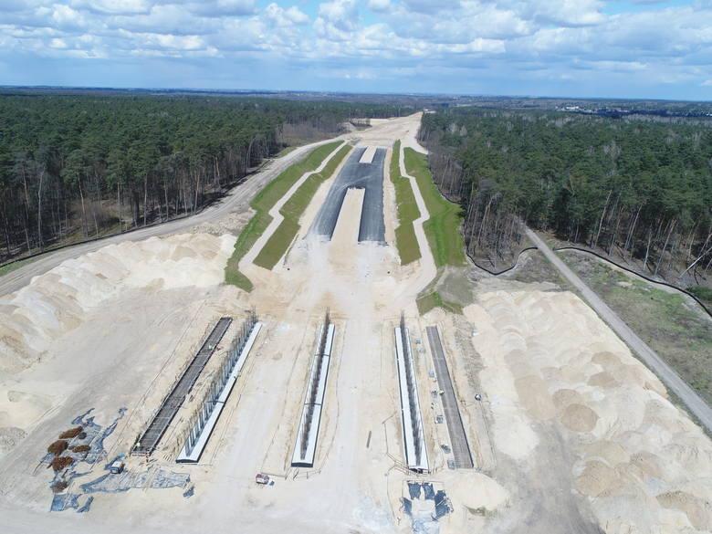 Chiński Stecol dostał zezwolenie na S14. Prace przy budowie zachodniej obwodnicy Łodzi ruszą pełną parą. W lipcu kolejne odcinki z asfaltem