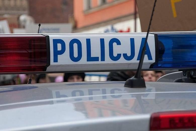 Przasnysz. Policjanci uratowali 63-letniego mężczyznę, 11.08.2019. Próbował popełnić samobójstwo