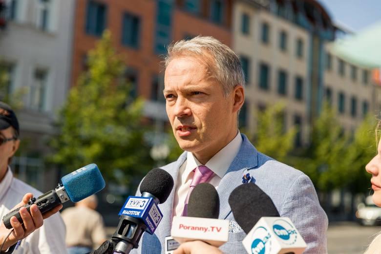 Wprowadzenie stan klęski żywiołowej nie daje podstaw do przesunięcia wyborów - uważa Jacek Żalek