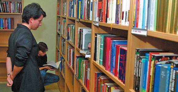 Rocznie z księgozbioru Książnicy Pomorskiej korzysta ponad 300 tys. osób.