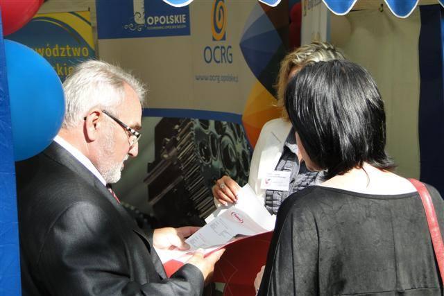 Jednym z uczestników gieldy byl Piotr Matyszok z firmy Pamas w Kolonowskiem. Fot. OCRG