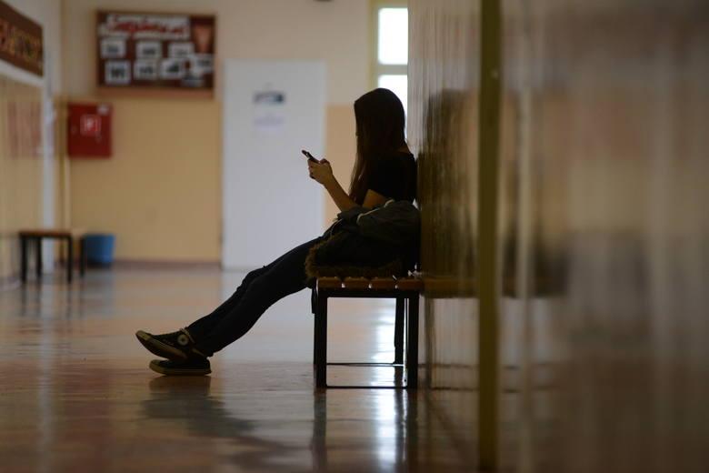 Czy i kiedy powrócimy do szkół? Jak poradzimy sobie z kolejnymi miesiącami pandemii?