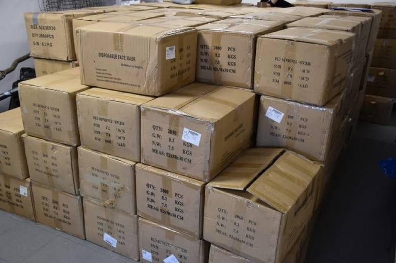 Wartość skradzionych maseczek oszacowano na 750 tys. zł.