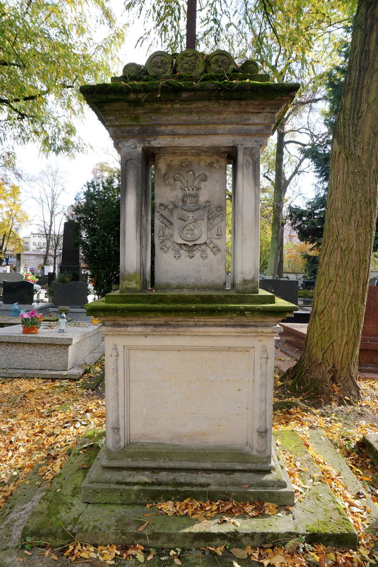 Kwesta na cmentarzu przy Lipowej w Lublinie. W tym roku zbieramy na renowację tych nagrobków. Zobacz zdjęcia!