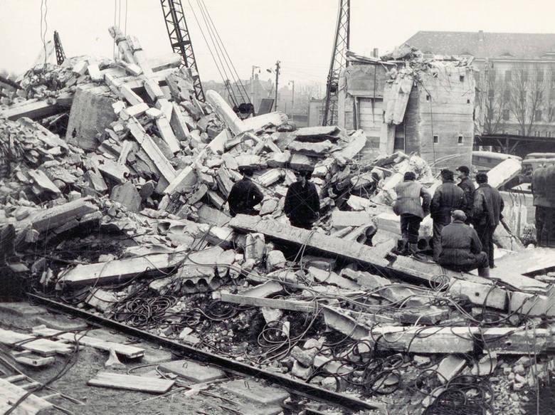 Z archiwum. To była największa katastrofa budowlana w historii powojennego Wrocławia. Dziesięciu robotników zginęło pod gruzami po tym, gdy zawalił się