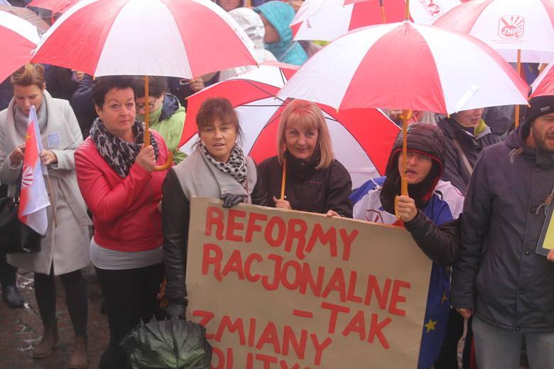 Protest nauczycieli w Katowicach