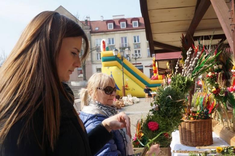 Rynek Kościuszki. Jarmark Wielkanocny już otwarty (zdjęcia, wideo)