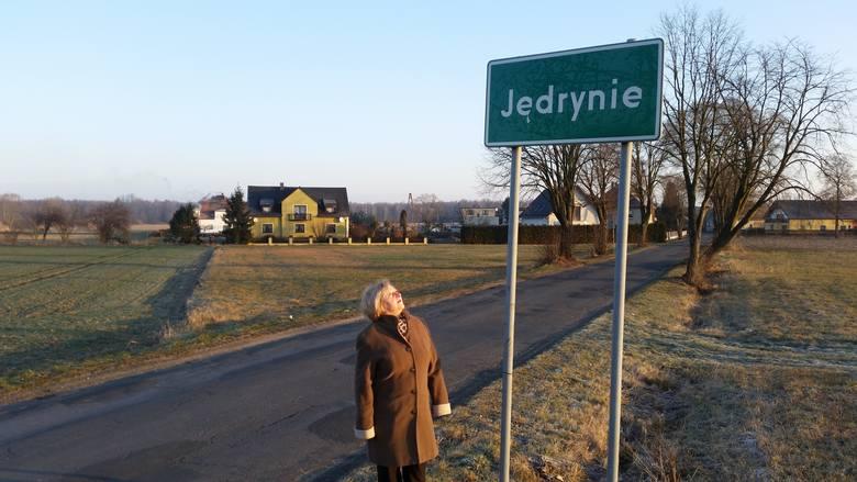 Podwójne nazwy będą wprowadzone w trzech wsiach. - Radni uszanowali wolę mieszańców - mówi Zofia Habasz.