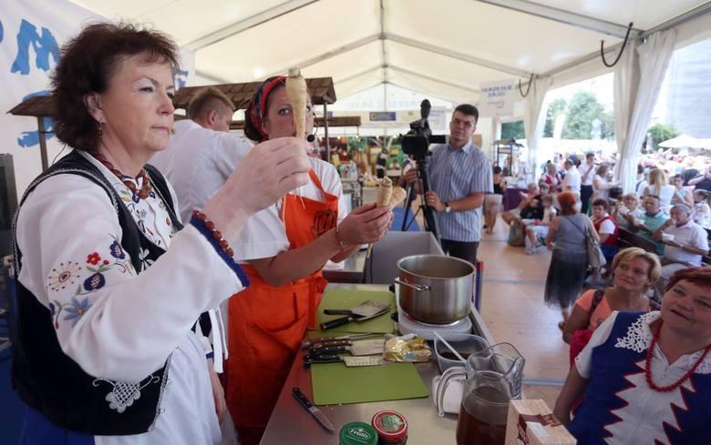 Jarmark Św. Dominika: Najlepsi kucharze rywalizowali o bursztynowy laur [ZDJĘCIA]