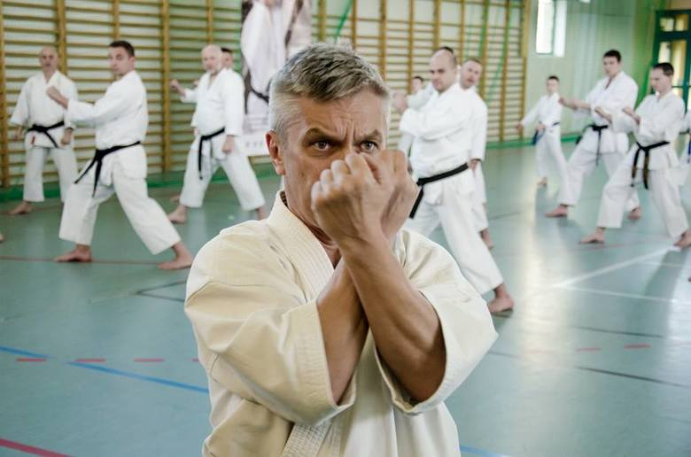 Sensei Włodzimierz Kwieciński przeprowadził w Kluczborku regionalny kurs mistrzowski. Włodzimierz Kwieciński to prezes Polskiego Związku Karate Tradycyjnego,