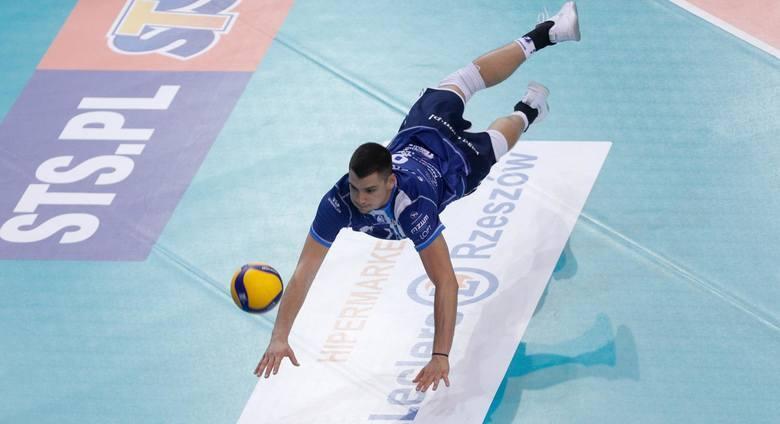 Nicolas Szerszeń (9)