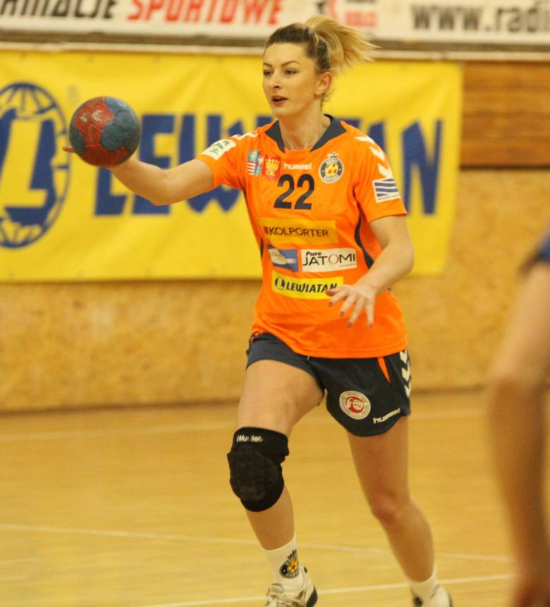 Potem jeszcze na chwilę wróciła na boisko, grając w zespole Korony Handball, ale problemy ze zdrowiem sprawiły, że definitywnie pożegnała się z handballem,
