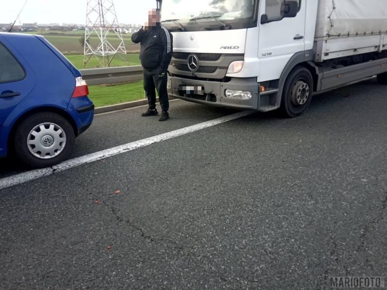 Wypadek na obwodnicy Opola. Zderzyły się trzy pojazdy, jedna osoba została ranna