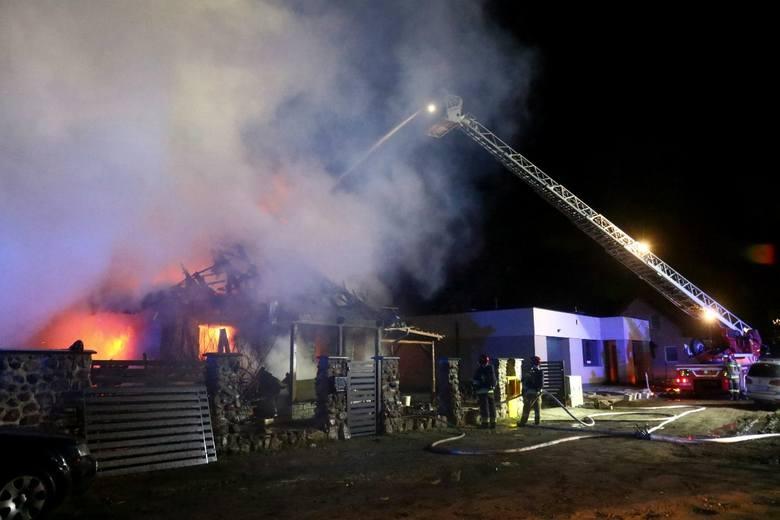 Nocny pożar domu w Żernikach Wrocławskich.