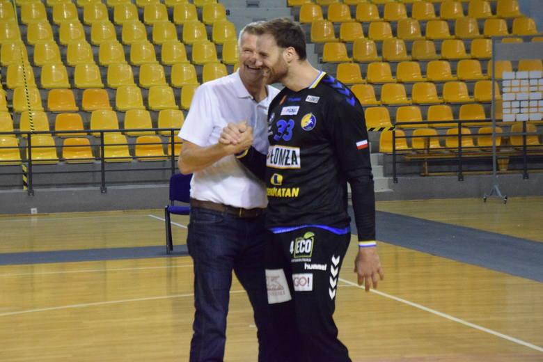 Po zakończeniu spotkania Łomża Vive Kielce - Sandra Spa Pogoń Szczecin doszło do nietypowego pojedynku. Andreas Wolff, bramkarz mistrzów Polski, bronił