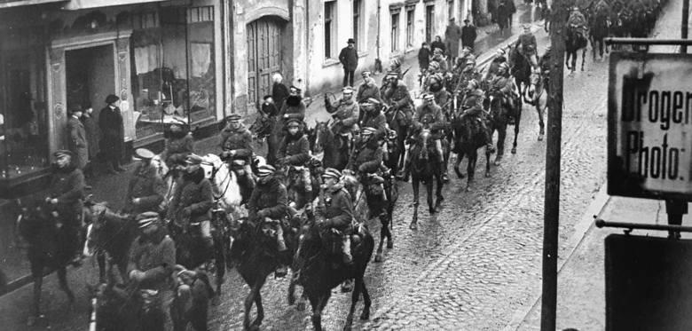 Ulicami Wejherowa polscy żołnierze przeszli 10 lutego 1920 r.