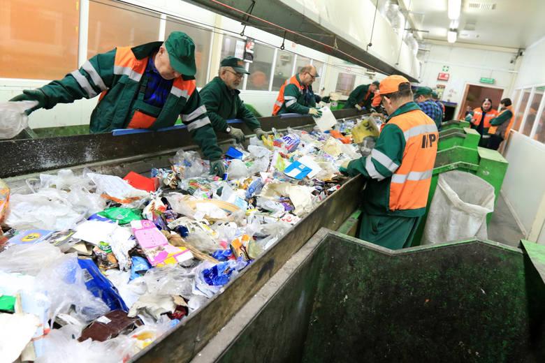To już pewne. W przyszłym roku w górę idą ceny za wywóz śmieci także w Toruniu, po raz pierwszy od pięciu lat. Jaka będzie skala podwyżki?Cena wywozu