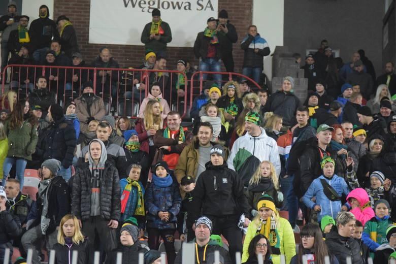 W meczu 16. kolejki Fortuna 1. Ligi GKS Jastrzębie zremisował z GKS Tychy 1:1 (0:1). Byleś na derbach Śląska? Może byli Twoi znajomi? Zobacz ZDJĘCIA