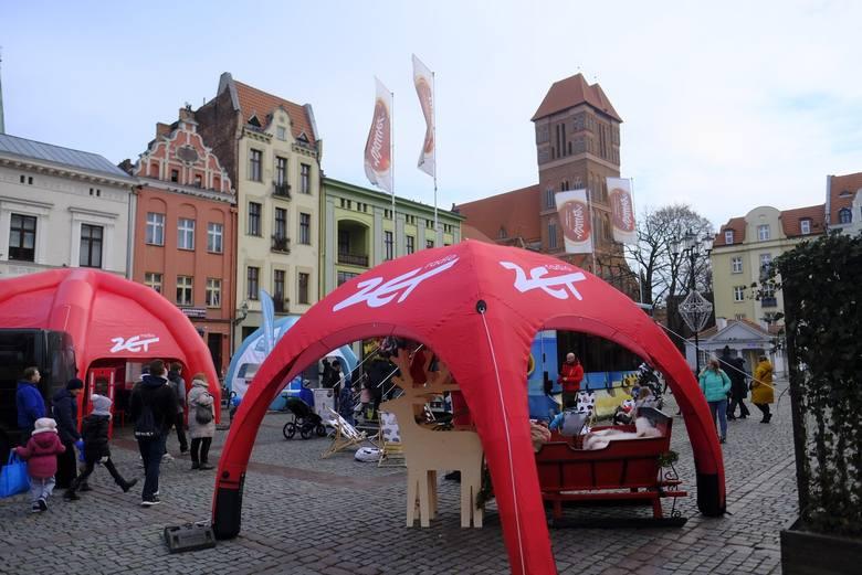 W sobotę (14.12) do Torunia ponownie zawitał Świąteczny Konwój Radia ZET. Pełne atrakcji radiowe miasteczko umieszczono na Rynku Nowomiejskim (pierzeja