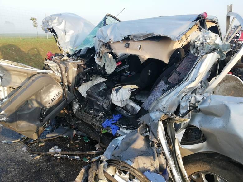W sobotę, po godz. 6, na obwodnicy Augustowa w stronę Suwałk doszło do zderzenia osobowego forda z ciężarówką.
