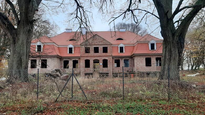 Budynek w Borkówko na Pomorzu to obiekt, który niszczał od końca wojny. Po remoncie ma służyć niepełnosprawnym dzieciom