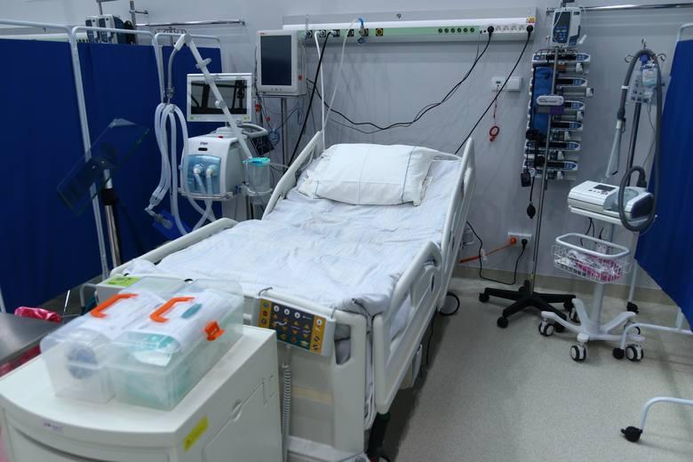Obecnie w szpitalu tymczasowym w CWK w Opolu leczonych jest 31 pacjentów covidowych. Pierwszego chorego przyjęto 27 grudnia 2020 r. i od tego czasu hospitalizowanych