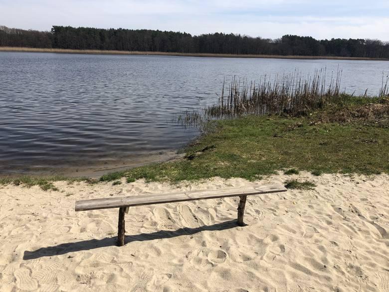 Jezioro Kąpielowe w Szklarce Radnickiej to nie tylko raj dla wędkarzy, ale i spragnionych ciszy, spokoju, kontaktu z przyrodą.