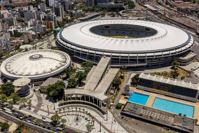 Czyli Maracana - najsłynniejszy obiekt w całej Brazylii, liczący sobie 70 lat. To na nim odbył się choćby mecz z udziałem blisko 200 tys. kibiców (!).