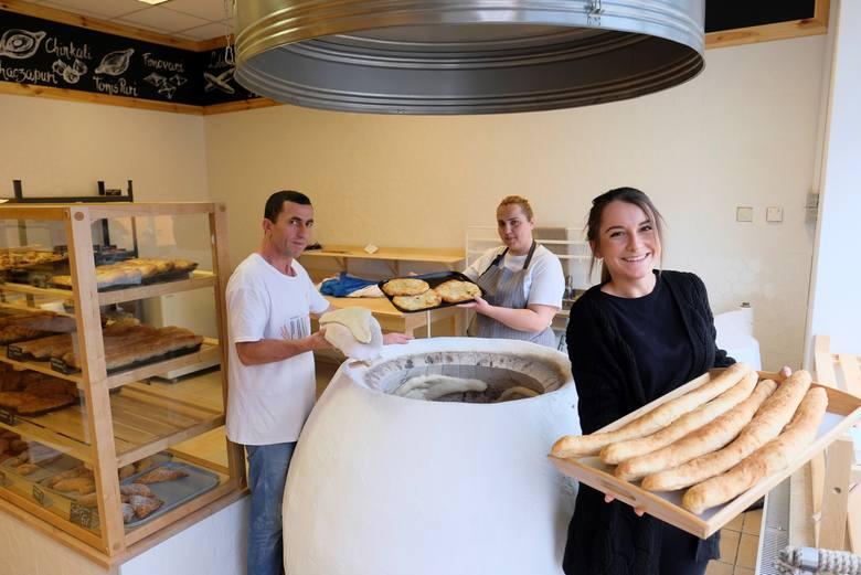 Gruzińskie piekarnie wyrastają w Toruniu jak grzyby po deszczu: niebawem będzie ich pięć! Podwoje otworzy też na starówce gruzińska restauracja. Skąd