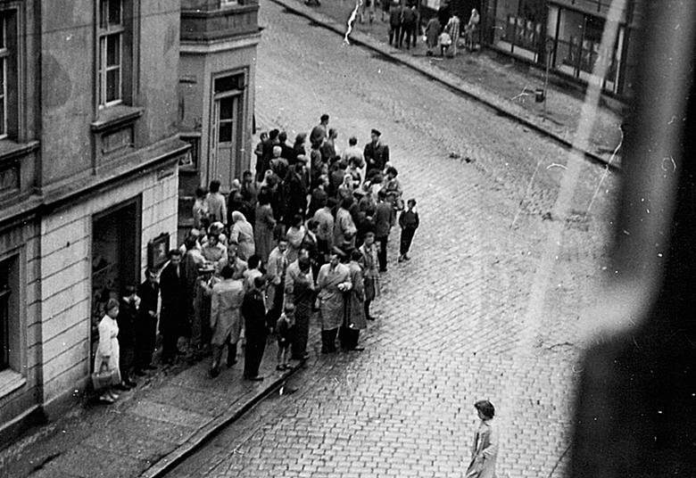 Wydarzenia Zielonogórskie 1960. Sceny z ulic Zielonej Góry.