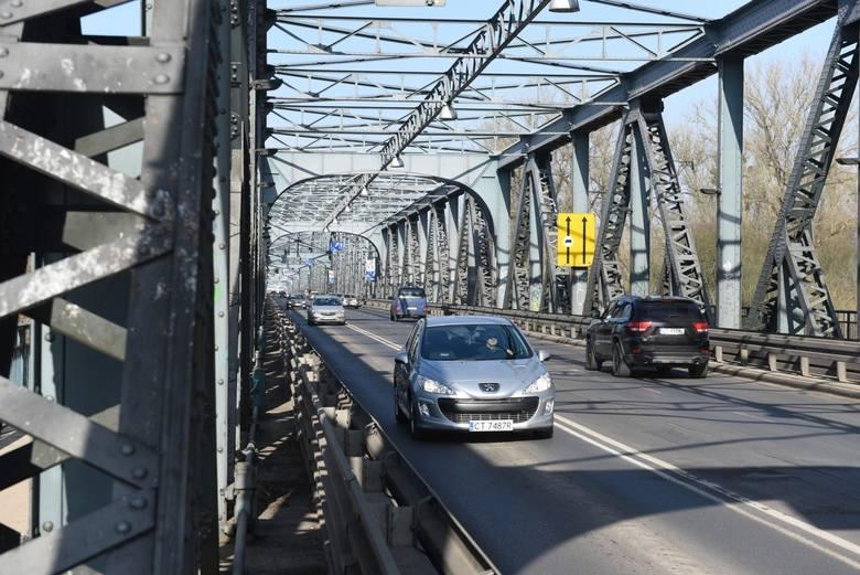 W najbliższy wtorek, 28 kwietnia, rozpocznie się pierwszy etap prac na moście drogowym im. J. Piłsudskiego w Toruniu. Kierowcy będą mieli do dyspozycji