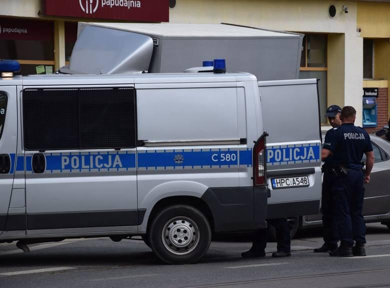 Kierujący hondą wzbudził czujność dzielnicowego, który zauważył pędzącą osobówkę w okolicy ul. Fortecznej w Grudziądzu. Policjant postanowił zatrzymać